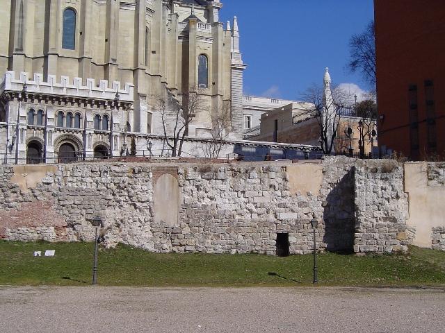 Mury Arabskie w Madrycie