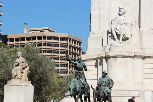 Pomnik Cervantesa 3
